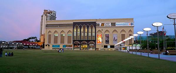 Dataran Pahlawan - Melaka Megamall