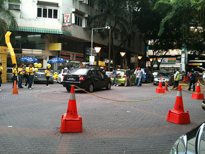 Gridlock in front of Low Yat.