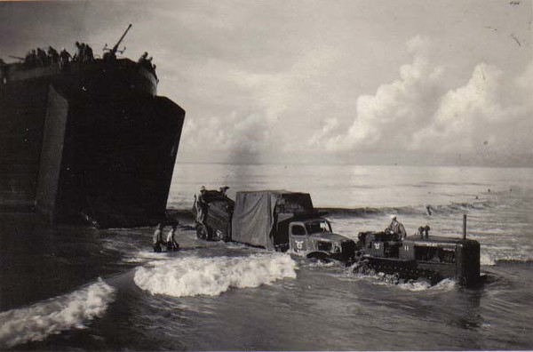 6th Special Seabees Unloading Equipment of the 36th Seabees-Bougainville 26Nov43