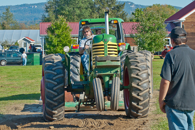 Accord Tractor Pull 2011-10-09-277
