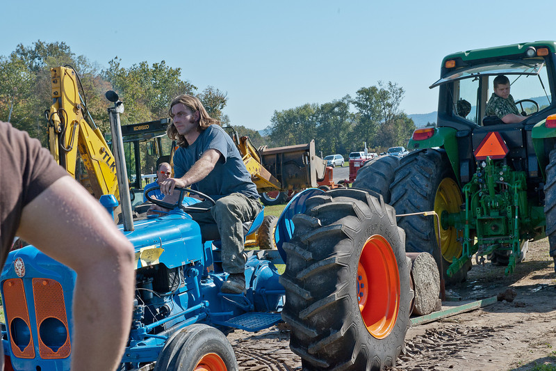 Accord Tractor Pull 2011-10-09-121