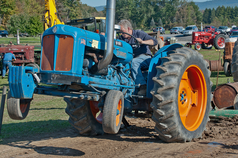 Accord Tractor Pull 2011-10-09-232