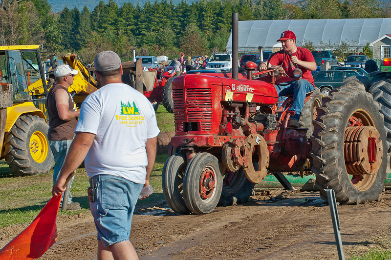 Accord Tractor Pull 2011-10-09-264
