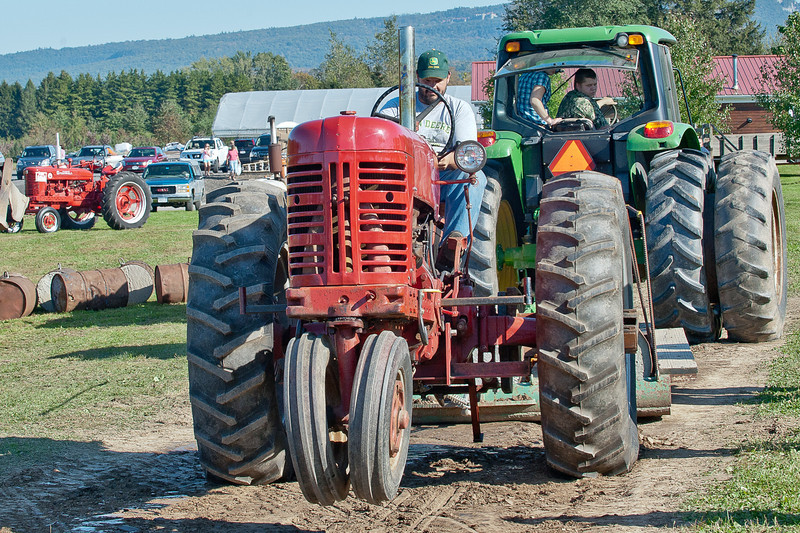 Accord Tractor Pull 2011-10-09-242