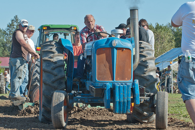 Accord Tractor Pull 2011-10-09-252