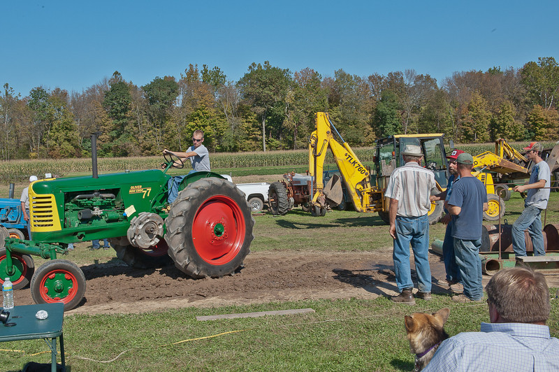 Accord Tractor Pull 2011-10-09-135