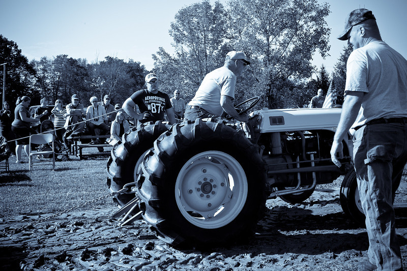Accord Tractor Pull 2011-10-09-46