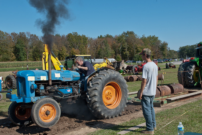 Accord Tractor Pull 2011-10-09-136