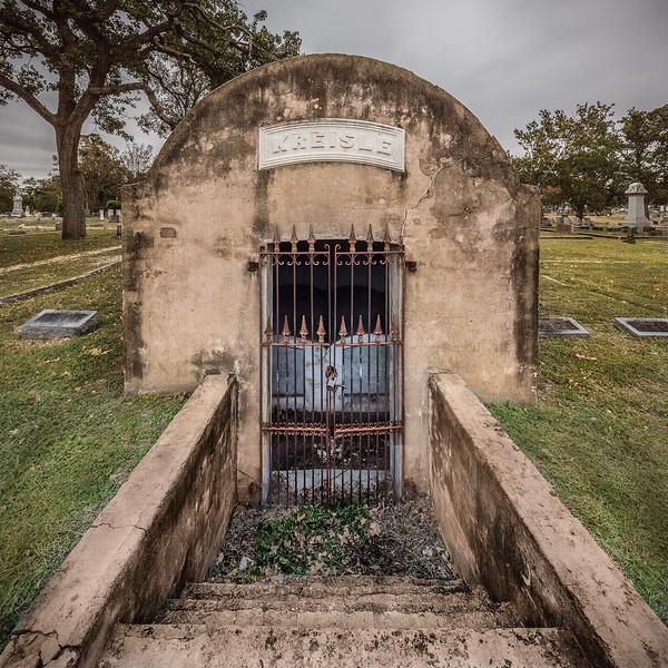 Kreisle Crypt, Oakwood Cemetery, Austin