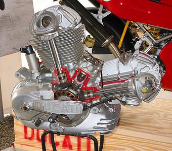 750 Cutaway motor