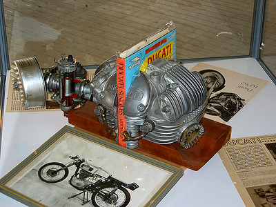 Cylinder Head bookends