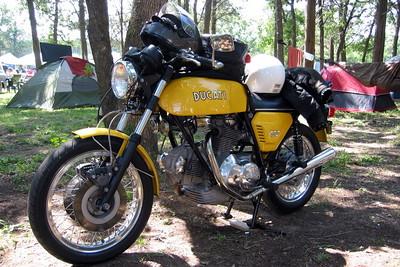 Ducati 750GT