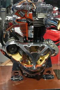 L1030917 - Cutaway Triumph motor