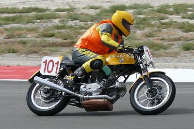 L1040953 - Ducati twin
