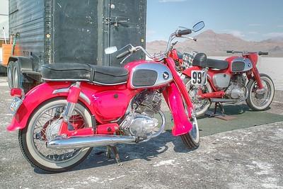 SDIM3951_2_3 - a pair of Hondas
