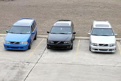 L1040498 - Three rorty V70R wagons