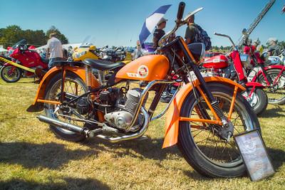 SDIM0610_1_2 - 1957 Harley-Davidson Model 165