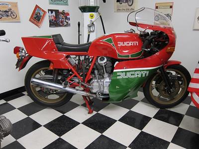 IMG_2684-2 - Mike Hailwood replica model