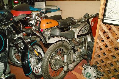 SDIM2305 - Norton Commando SS & Manx
