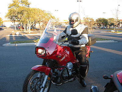 Steve Rolls Up on his Moto Guzzi Quota