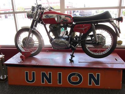 IMG_2855-2 - Ducati 450 single