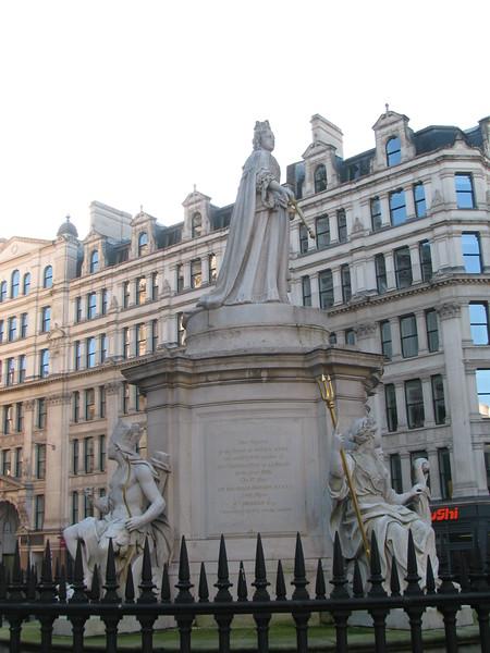 Queen Anne statue 2