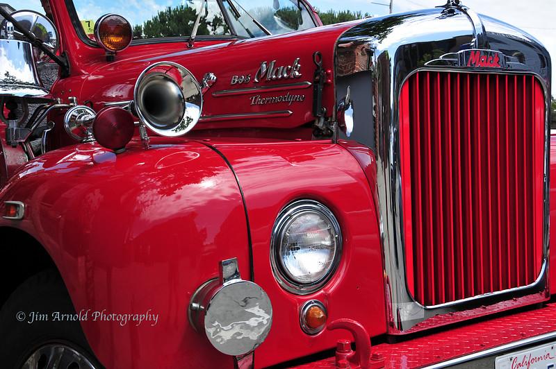 B-95 Mack Thermodyne Fire Truck