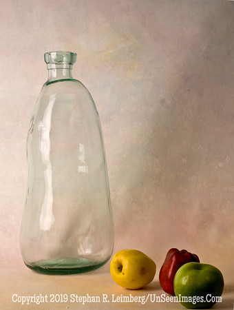 Glass and Apple A0002839