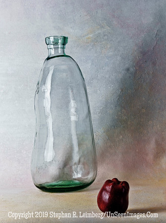 Glass with Red Apple A0002835