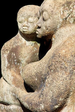 Kenyan Sculpture Mother and Child Copyright 2020 Steve Leimberg UnSeenImages Com _Z2A3646