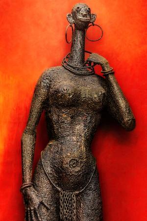 Kenyan Sculpture Woman Copyright 2020 Steve Leimberg UnSeenImages Com _Z2A3650