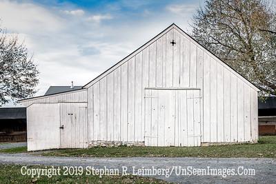 White Barn - Copyright 2017 Steve Leimberg UnSeenImages Com L1250193
