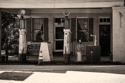 Old Pure Gas Station Georgia  Copyright 2020 Steve Leimberg UnSeenImages Com 108226277-1082672384972