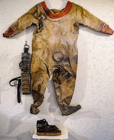 Siebe-Gorman Canvas Diving Suit Painting Copyright 2020 Steve Leimberg UnSeenImages Com _DSF0436
