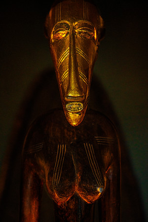 Tanzanian Mask Copyright 2020 Steve Leimberg UnSeenImages Com _DSC1386