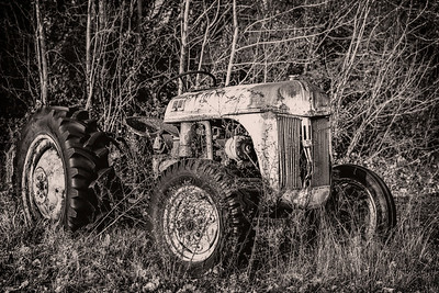 Ford Tractor x Cape May Copyright 2019 Steve Leimberg UnSeenImages Com L1000213-HDR