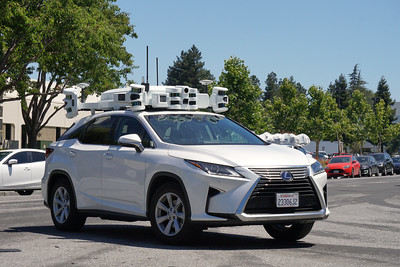 Unmarked Self Driving Vehicle in Silicon Valley (believed to be Apple)