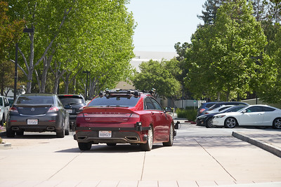 Unidentified Self Driving Vehicle near Nio offices in San Jose