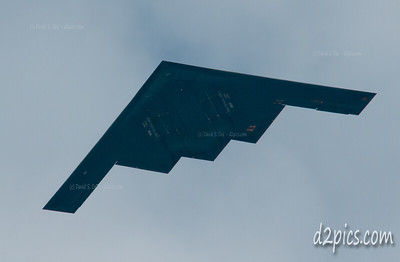 B-2 Stealth Bomber flies low over Highlands Ranch