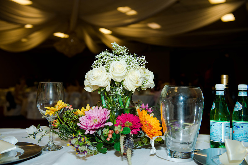 Wedding flowers and wedding decorations