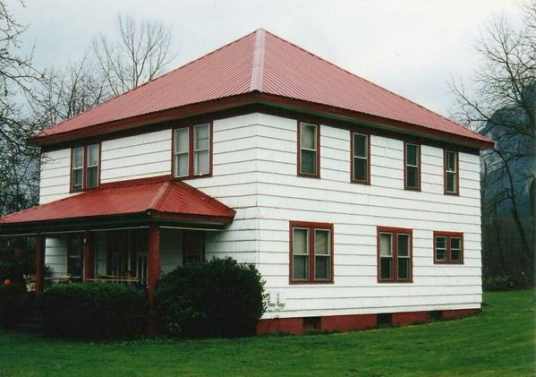 1918 Built - Mountain Meadows Farm House