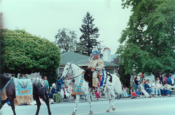 Grand Dad - Wenatchee Parade - REAL Indian Headdress -
