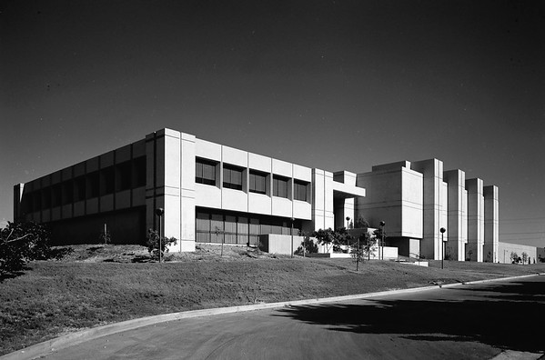 Hunt-Wesson headquarters, Fullerton, Calif., 1971