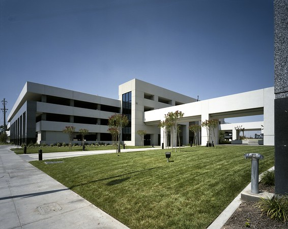 Kern County Administrative building, Bakersfield, Calif., 1992