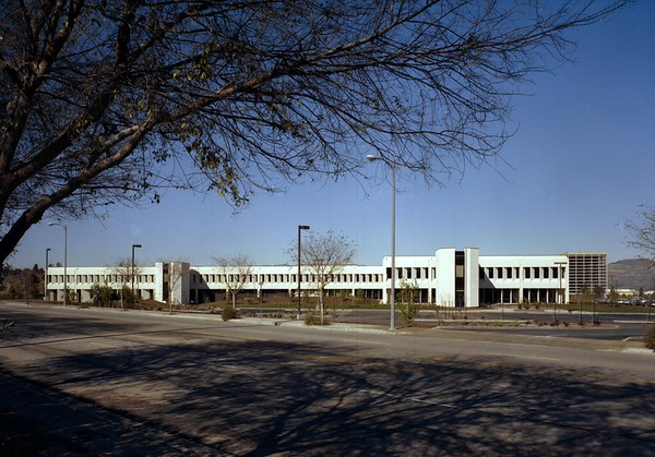 Prudential Savings, Woodland Hills, Calif., 1977