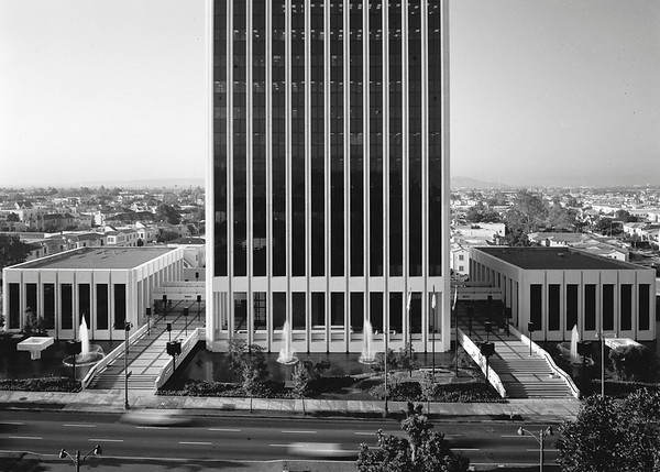 Mutual Benefit Life Insurance building, Los Angeles, Calif., 1970