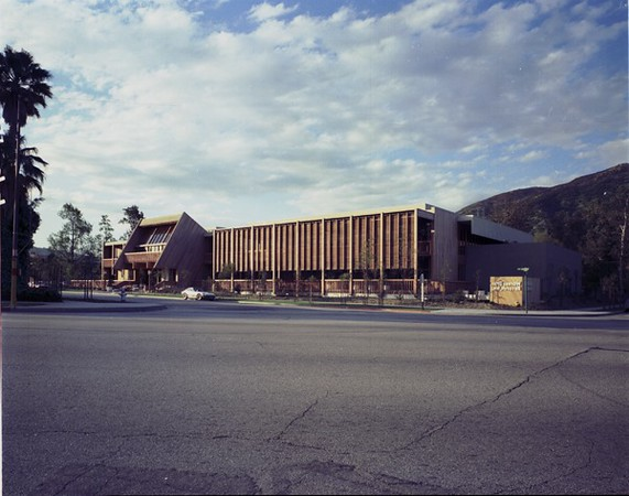 Warner Bros. Records, Burbank, Calif., 1975