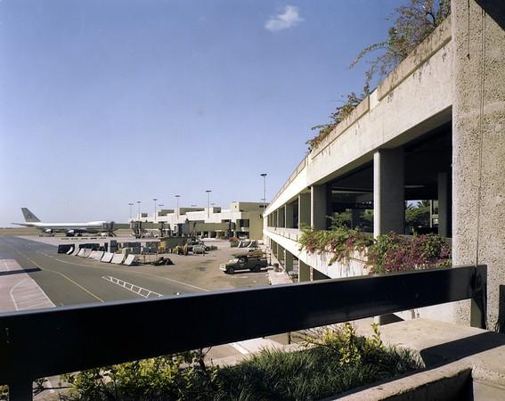 Honolulu Air Terminal, Hawaii, 1981