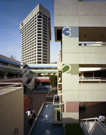 Weller Court, Little Tokyo, Los Angeles, Calif., 1982