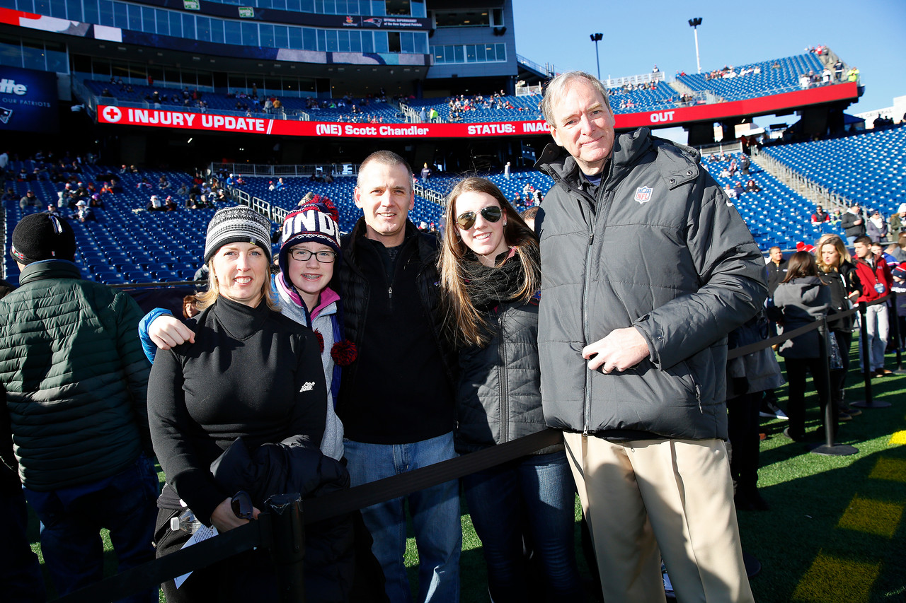 Tennessee Titans vs. New England Patriots at Gillette Stadium on Sunday, Dec.20, 2015.  Photos by Donn Jones Photography